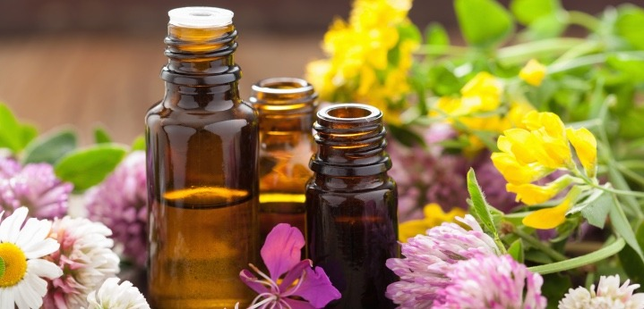 essential oil for frizzy hair